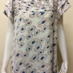 เสื้อคอกลมผ้าชีฟอง สีขาวลายดอก BY Tucky