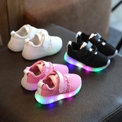 Baby Touch รองเท้าเด็ก รองเท้าไฟกระพริบ ทรงกีฬา N (Shoes - FLN2)