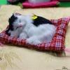 ตุ๊กตาแมวเหมือนจริงนอนหลับ สีขาวดำ 14x17 CM
