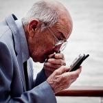 อาการหลงลืมอย่าชะล่าใจ! ปล่อยไว้ไว้อาจเป็นโรคความจำเสื่อม: โรคสมองเสื่อมในผู้สูงอายุ