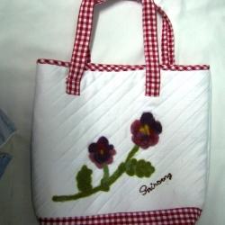 กระเป๋าผ้าแคนวาส ปักขนแกะ 38 x 34 x 11 ซมฺ
