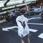เสื้อกันหนาวแฟชั่นสไตล์เกาหลี ลายสวยเด่น ผ้าอุ่น น่าสวมใส่ - ขาว