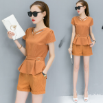 ชุดเซ็ท แฟชั่น เสื้อเข้าชุดกางเกงขาสั้น สีพื้นจัดจ้าน กับดีไซน์ร่วมสมัย - ส้ม