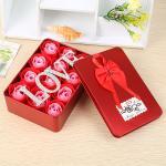 สบู่ดอกกุหลาบอยู่ในกล่องสวยหรู เหมาะสำหรับโอกาสให้ของขวัญแทนใจ - แดง