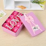 สบู่ดอกกุหลาบอยู่ในกล่องสวยหรู เหมาะสำหรับโอกาสให้ของขวัญแทนใจ - ชมพู