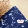 ผ้าคอตตอนไทย 100% 1/4ม.(50x55ซม.) พื้นสีน้ำเงิน ลายเครือดอกไม้สีฟ้า
