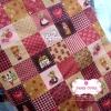 ผ้าคอตตอนไทย 100% 1/4 ม.(50x55ซม.) พื้นสีชมพู ลายตารางน้องซู