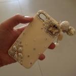 เคสไอโฟน 4/4s กรอบสีงาช้างประดับผีเสื้อและพู่ห้อยสุดหรู