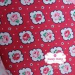 ผ้าคอตตอนไทย 100% 1/4 ม.(50x55ซม.) พื้นแดง ลายดอกกุหลาบ
