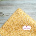 ผ้าคอตตอนไทย 100% 1/4 ม.(50x55ซม.) ลายใบไม้เล็ก โทนสีเหลือง