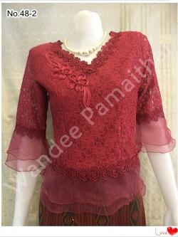 เสื้อลูกไม้คอวี แขนระบายผ้าแก้ว ชายระบายผ้าแก้ว (สีแดงเลือดหมู) เบอร์ L เล็ก