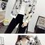 เสื้อกันหนาวแฟชั่น คอกลม ขนาดกำลังดี สกรีนลายสวยๆ น่าใส่มากค่ะ thumbnail 15