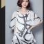 เสื้อแฟชั่น ผ้าชีฟองสีพื้นขาว-ดำ กับลวดลายกราฟฟิค ขับให้ตัวเสื้อดูมีสีสัน thumbnail 19