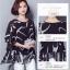 เสื้อแฟชั่น ผ้าชีฟองสีพื้นขาว-ดำ กับลวดลายกราฟฟิค ขับให้ตัวเสื้อดูมีสีสัน thumbnail 6