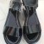 รองเท้าแฟชั่นสตรี หนังสีดำ ส้นกำลังดี เรียบๆ สำหรับใส่เดินชิลสบายๆ thumbnail 2