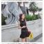 เดรสแฟชั่น สีขาวและดำยอดนิยม ทรงแขนกุด แต่งโบว์ที่คอเสื้อ สวยใสในแบบพอดีๆ thumbnail 7