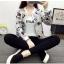 เสื้อกันหนาวแฟชั่น คอกลม ขนาดกำลังดี สกรีนลายสวยๆ น่าใส่มากค่ะ thumbnail 12