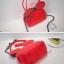 กระเป๋าหนังแฟชั่น สีแดงจัดจ้าน รูปทรงบ่งบอกถึงเอกลักษณ์ thumbnail 7