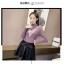 เสื้อแฟชั่นเกาหลีสวยๆ คอเต่าผ้านิ่ม คาดลายเหมือนคอวี ทั้ง 2 ด้าน ดูเก๋จริงๆ thumbnail 6