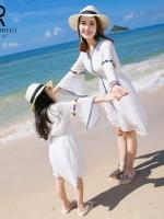 ชุดครอบครัวเซท2ชุด เสื้อแฟชั่นสีขาว แนวชายหาด