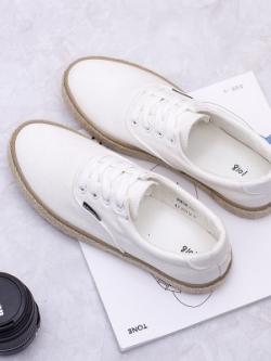รองเท้าผ้าใบเกาหลี แต่งขอบเชือกฟาง เรียบสวย มี2สี