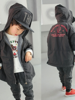 เสื้อฮู้ดแจ็คเก็ตเด็กสีดำเกาหลี ดีไซน์ซิบ แต่งพิมพ์ลายด้านหลัง
