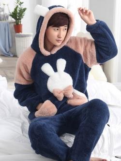 ชุดนอนฮู้ดเกาหลี ผ้ากำมะหยี่หนานุ่ม แต่งรูปกระต่าย เสื้อ+กางเกง มี2สี