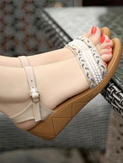 รองเท้าแฟชั่นส้นสูงเกาหลี แต่งสายคาดหัวเข็มขัด