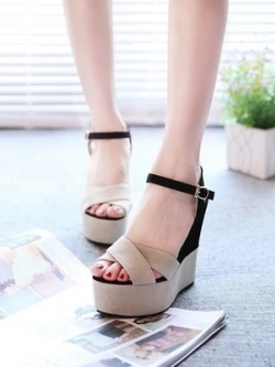 รองเท้าแฟชั่นส้นสูงเกาหลี แต่งสายรัดสีสันสดใส มี3สี
