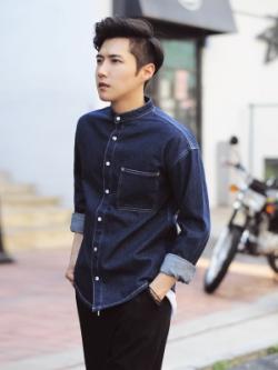 **พร้อมส่ง** เสื้อยีนส์แจ็คเก็ตแขนยาว แต่งกระเป๋าเสื้อ สไตล์เกาหลี