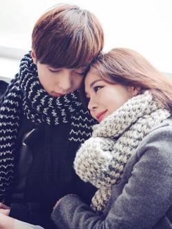 ผ้าพันคอคู่รักเกาหลี แต่งลายคลื่น น่ารักมาก มี2สี