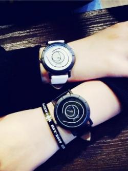 นาฬิกาข้อมือเกาหลี ดีไซน์เส้นวงกลมหน้าปัดเก๋มาก มี2สี