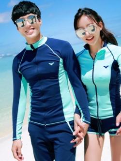 ชุดว่ายน้ำเกาหลี สีน้ำเงิน เสื้อแขนยาว+กางเกงขาสั้น สไตล์ชุดคู่รัก
