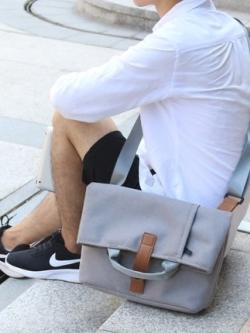 กระเป๋าสะพายข้างเกาหลี สีเทาอ่อน ดีไซน์เท่ แนวTravel