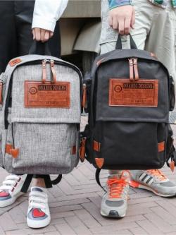 กระเป๋าเป้เกาหลี แนวพักผ่อนTravel แต่งโลโก้ มี5สี