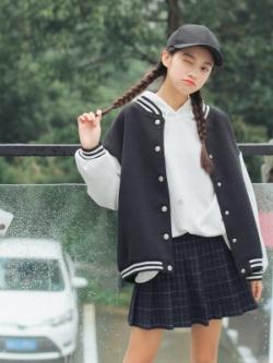 เสื้อแจ็คเก็ตเกาหลี แต่งขอบลายเส้น แนวเบสบอล มี3สี