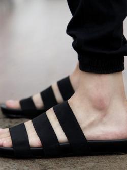 รองเท้าแตะเกาหลี แต่งสายคาด เรียบสวย แนวโมเดิร์น มี2สี