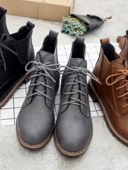 รองเท้าบูท/รองเท้ามาร์ตินแบบผูกเชือก ดีไซน์ยืดหยุ่นด้านข้าง