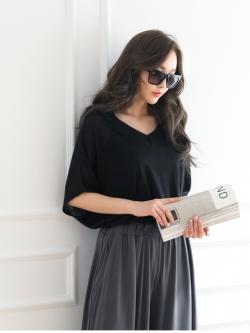 *** พร้อมส่ง *** เสื้อคอวีหน้า-หลัง แขนยาว 5 ส่วนสีดำ เนื้อผ้าซีทรูเนื้อนิ่มใส่สบายจาก Korea