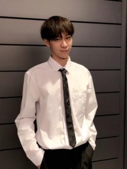 เสื้อเชิ้ตแขนยาวเกาหลี สไตล์ชุดทำงาน แต่งกระเป๋าเสื้อ มี2สี