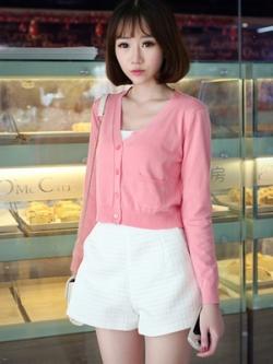 *** พร้อมส่ง *** เสื้อคาร์ดิแกนหญิงสีชมพูใส่คลุมติดกระดุมตัวสั้น มีกระเป๋าด้านหน้า สไตล์เกาหลี