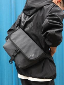 กระเป๋าสะพายข้างเกาหลี สีเทา แนวลำลอง แต่งฝาเปิดปิด