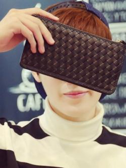 กระเป๋าสตางค์ใบยาวเกาหลี สีดำ แต่งลายไขว้ ดีไซน์ซิบเปิดปิด