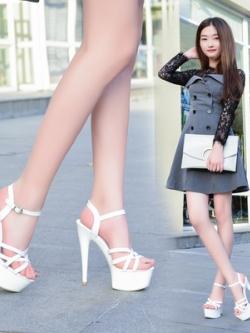 รองเท้าส้นสูงเกาหลี แต่งสายรัดหัวเข็มขัด มี2สี