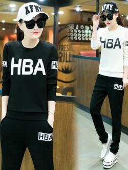 ชุดวอร์มกีฬา เซ็ทเสื้อคอกลมแขนยาวสกรีน HBA +กางเกงขายาวสไตล์เกาหลี