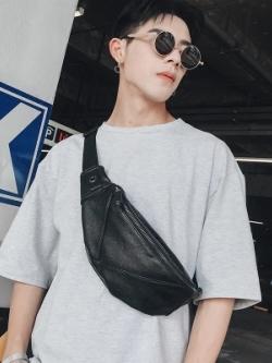 กระเป๋าคาดอกเกาหลี สีดำ สไตล์ลำลอง