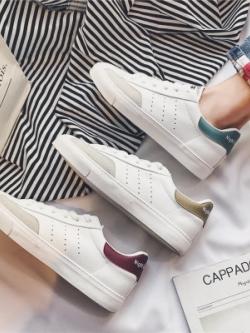 รองเท้าผ้าใบเกาหลี แต่งขอบ เรียบสวย มี3สี