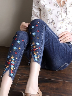 กางเกงยีนส์ขายาวเกาหลี แต่งลายขากางเกง มี2สี