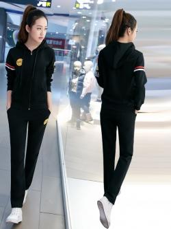 ชุดวอร์มกีฬาเกาหลี เซ็ทเสื้อแจ๊กเก็ตแขนยาวมีฮู้ดรูดซิปด้านหน้าแต่งรูปอมยิ้ม +กางเกงขายาว