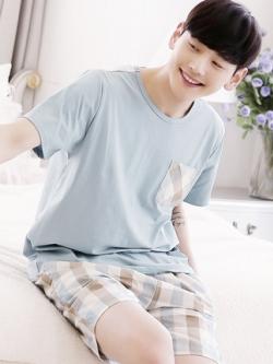 ชุดนอนสีฟ้าเกาหลี เสื้อแขนสั้นแต่งกระเป๋า+กางเกงลายสก็อต